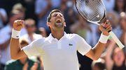 Djokovic célèbre son retour au premier plan avec un quatrième titre à Wimbledon