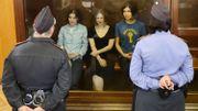 """Russie: les jeunes femmes des Pussy Riot reconnues coupables de """"hooliganisme"""""""