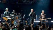 U2 rend hommage à Anthony Bourdain
