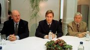 Michel Tromont en 1999 (à gauche), le roi Philippe, prince à l'époque et Robert Urbain (PS)