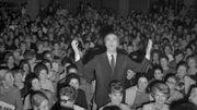 """Michel Piccoli prise lors de la première du film """"Qui a peur de Virginia Woolf"""" de Mike Nichols, le 15 février 1967, à Paris"""