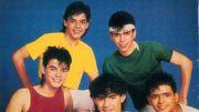 Découvrez quel célèbre chanteur se cache derrière le jeune homme au t-shirt jaune !