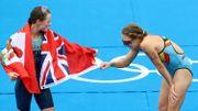 JO Tokyo 2020: Flora Duffy, sacrée en triathlon, écrit l'histoire pour les Bermudes, Valerie Barthelemy 10e, Claire Michel 34e