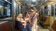 Il intègre des peintures anciennes dans des décors d'aujourd'hui