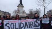 Rassemblement d'étudiants en journalisme à Paris.