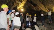 Une visite de 45 minutes dans le sous-sol schisteux de la Vallée de la Semois permet de découvrir l'industrie de l'ardoise, aujourd'hui disparue.