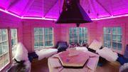 Touche originale cet hiver : Chalet pour fondue avec vue sur la région ! Vivement l'été et le bar à Mojito...