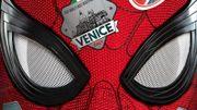 """Peter Parker fait face à Mysterio dans la première bande-annonce de """"Spider-Man : Far From Home"""""""