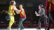[Zapping 21] Ce superfan débarque sur scène pendant un concert de U2 et finit dans les bras de Bono