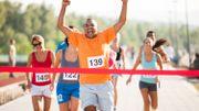 Vidéo insolite: il croit avoir remporté le triathlon et se fait dépasser juste avant la ligne d'arrivée