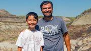 Un enfant de 12 ans découvre un fossile de dinosaure en randonnée avec son père
