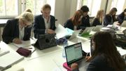 Chaque élève dispose d'un ordinateur