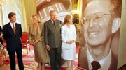 Le prince Philippe, le reine Paola, le roi Albert II et la reine Fabiola lors d'une exposition pour les 10 ans de la mort du roi Baudouin, en 2003