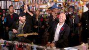 Coldplay reprend Prince à l'occasion de son live dans un 'petit bureau'