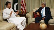 En visite au Pakistan, John Kerru estimait que l'armée avait pris le pouvoir pour rétablir la démocratie