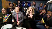 Adele fait une reprise presque joyeuse de son Hello avec des instruments de salle de classe