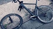Le vélo d'un des coureurs impliqués dans l'accident.