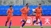 Marouane Fellaini plante un doublé pour Shandong Taishan