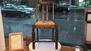 Une chaise de J.K. Rowling utilisée pour écrire Harry Potter adjugée 394.000 dollars