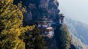 """Le """"tiger nest"""", temple emblématique du Bhoutan, est un lieu sacré pour tous les bouddhistes."""