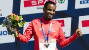 Record de Belgique du marathon pour Bashir Abdi, 5e à Chicago où le RDM féminin est tombé