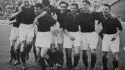 Jean Jadot (au milieu) lors de la victoire de Coupe de 1954