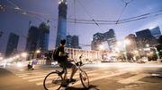 Pistes surélevées, trafic régulé, parkings robotisés : ces innovations venues d'Asie vont simplifier la vie des cyclistes