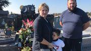 Ophélie Degauquier et Youri Di Michele se rendent plusieurs fois par jour au cimetière d'Hornu.