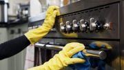 Quelques astuces pour nettoyer son four (à micro-ondes)