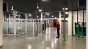 À la sortie de l'Eurostar à Bruxelles-midi, 8 agents douaniers sont prêts à contrôler le contenu de vos valises ce 1er janvier 2021.