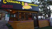 """A Bethléem, un """"Corona sandwich"""" pour affronter la crise"""