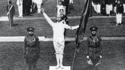 Victor Boin prête le Serment Olympique, à Anvers, en 1920