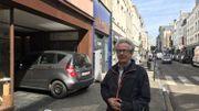 Michel Deschuytere, commerçant de la rue Haute, voudrait trouver un lieu d'accueil pour les géants des Marolles