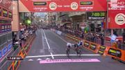 Kwiatkowski règle Sagan au sprint et remporte Milan-Sanremo