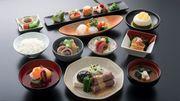 Japon : une compagnie aérienne propose des repas à 460 euros à bord d'un avion au sol