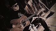 Neil Young compile ses textes politisés