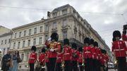 """Des """"Welsh Guards"""" - Gardes gallois - sont présents à Bruxelles pour l'occasion."""