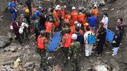 Glissement de terrain en Chine: au moins 15 décès confirmés, plus de 100 disparus