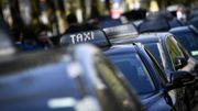 """Le secteur des taxis d'accord de se réformer, """"mais pas à la mode Smet"""""""