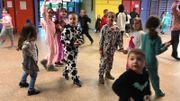 Même lors de la récréation, c'est pyjama party à l'école communale de Spy