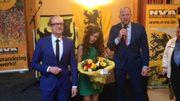 Darya Safai a été récompensée en 2016 par le Ebbenhouten Spoor, une sorte de prix du mérite attribué par la N-VA à un nouvel-arrivant.