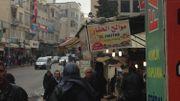 À Kilis, sur les devantures de magasins, l'arabe côtoie le turc.
