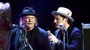 Neil Young peine à se produire dans les salles historiques