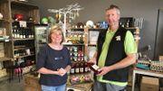 Pierre Lebrun et son épouse, producteurs de pommes et de poires à Piétrebais (Incourt)