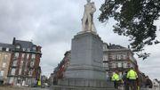 Namur: la statue de Léopold 1er orientée vers la chaussée de Louvain