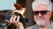 """Almodovar reçoit un Lion d'Or pour sa carrière, """"un acte de justice poétique"""""""