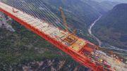 Le pont le plus haut du monde en voie d'achèvement en Chine