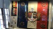 La vitrine de la Légion d'honneur à l'Hôtel de Ville de Liège
