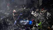 Pakistan: un avion de ligne, avec une centaine de passagers, s'écrase à Karachi sur un quartier résidentiel