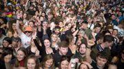 """The Beatles : 5000 personnes chantent """"Paperback Writer"""" lors d'un concert test à Liverpool"""
